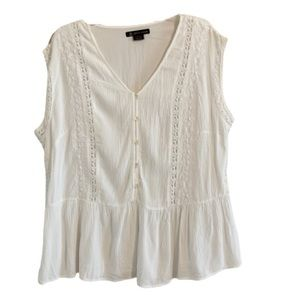 LOVE & LEGEND Cottagecore Embroidered Lace Top